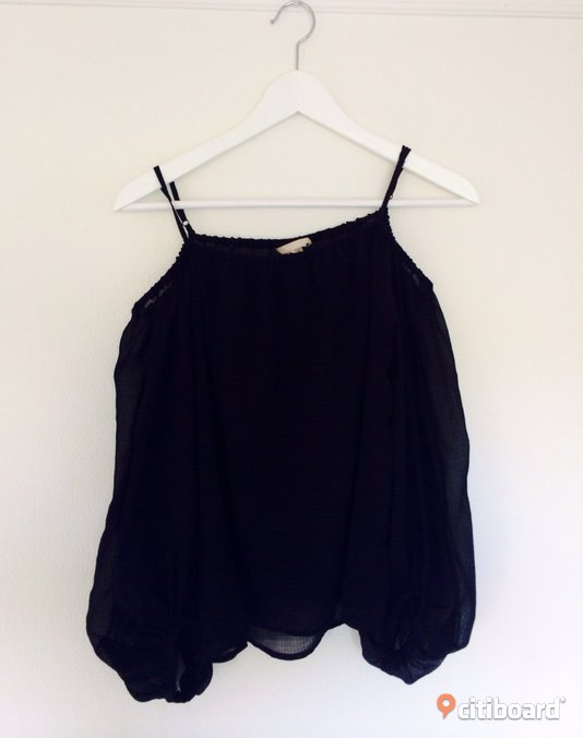 Off-shoulder Topp 36-38 (S) Uppsala