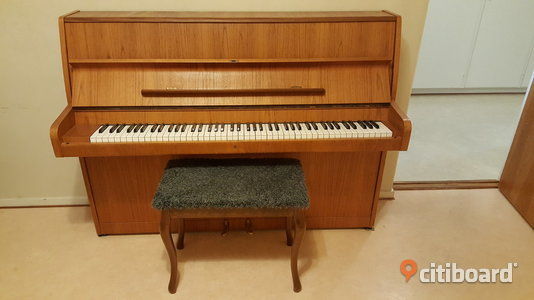 Piano. Great condition. Umeå
