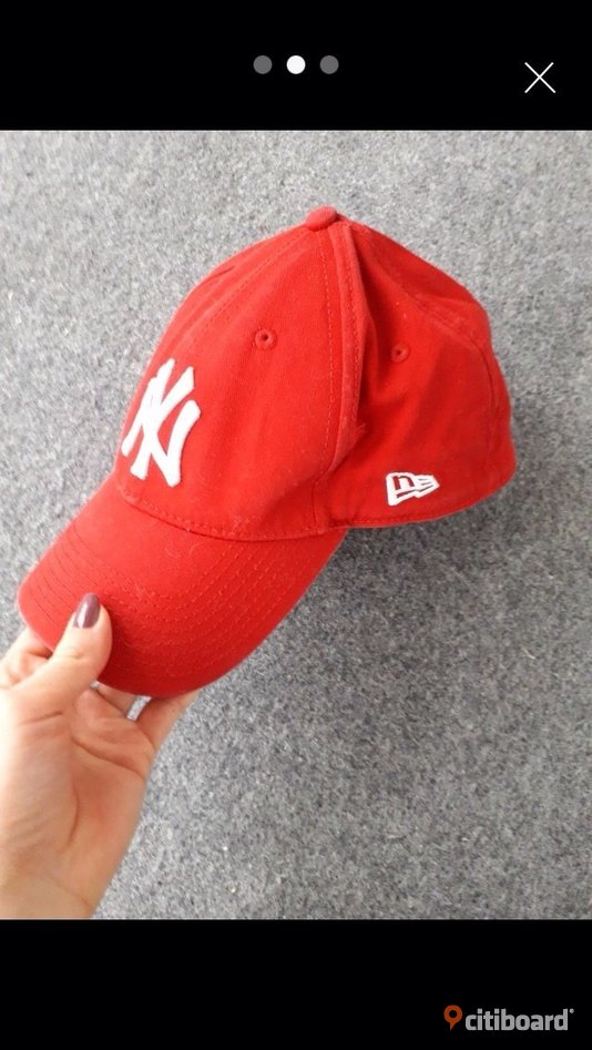 New Era keps