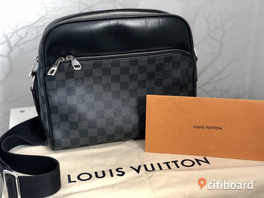 Louis Vuitton Dayton Reporter Damier Graphite PM Black