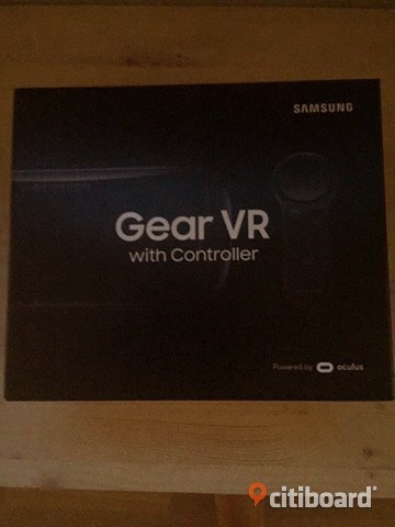 Samsung VR gear with controller
