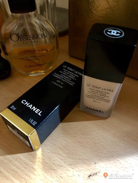 "FOUNDATION    (CHANEL"" 400kr"")"