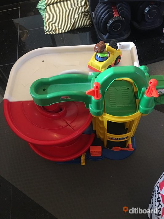 Bilgarage från Fisher-price Borås / Mark / Bollebygd