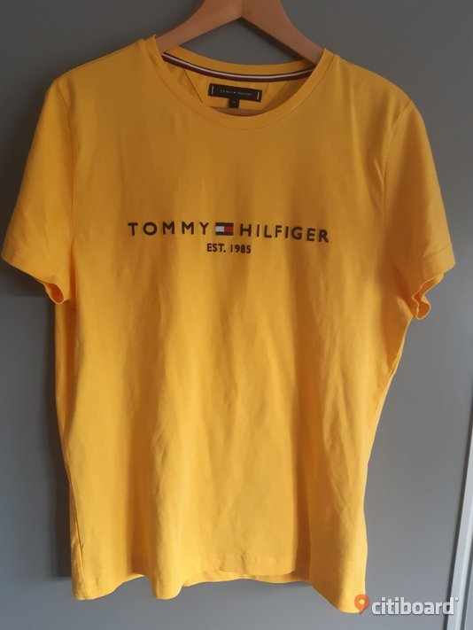 Tommy Hilfiger t-shirt ny 48-50 (M) Mode Borgholm