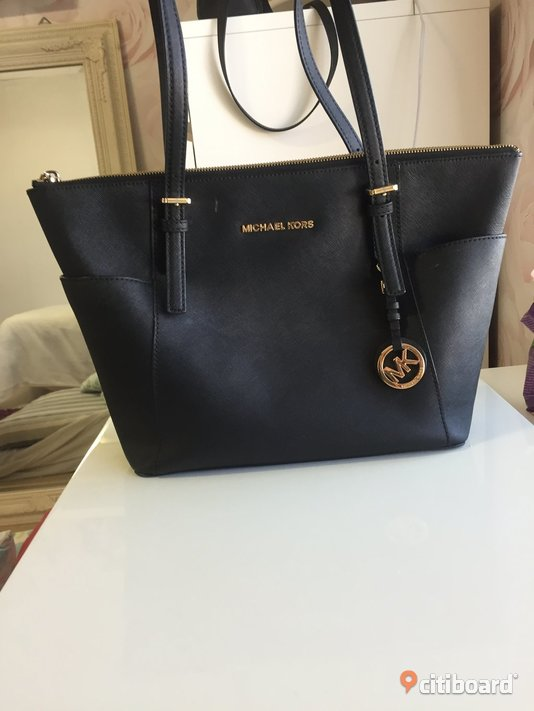 Michael Kors Top-zip Saffiano Leather Tote Väskor Umeå