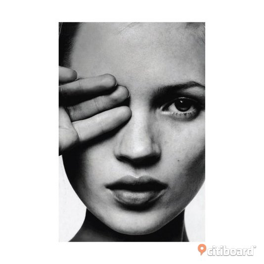 Kate Moss Hand over eye fashion print, ny Halmstad
