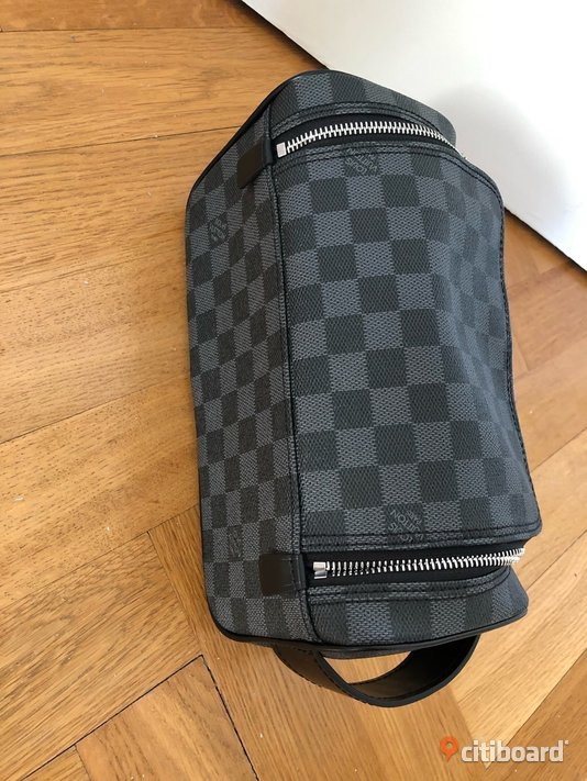 Louis Vuitton Man bag nessesär TOILETRY POUCH