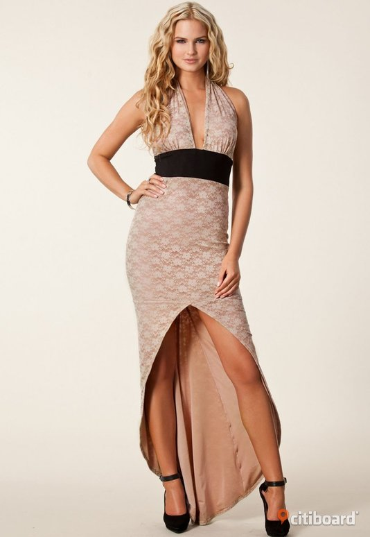 Fri frakt leveranstid  1-5 dagar ,Halter Flowery Lace Evening Dress 40-42 (M) Hultsfred