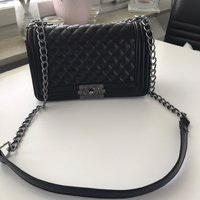 Ny chanel boy replica väska
