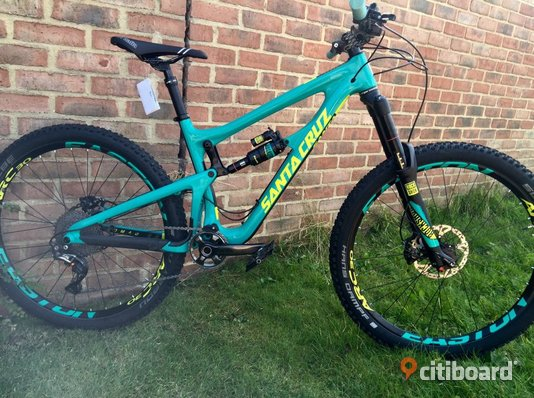 2016 Santa Cruz Nomad CC XTR - Stockholm, Stockholm - 2016 Nomad CC - Medium - Emerald - Invisiframe monterad 2016 Rockshox Pike RCT3 160mm - matchande dekaler Rockshox Monarch plus chock - Matchande dekaler Easton Arc 30 fälgar med matchande dekaler Hope Pro 4 142mm bakre nav, 100 x  - Stockholm, Stockholm