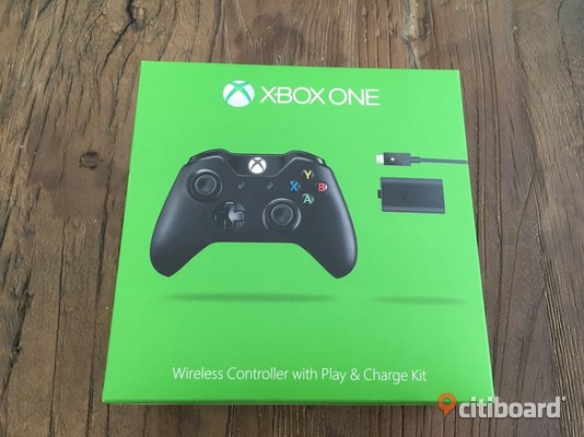 Xbox one wireless controller V2 + play and charge Malmö
