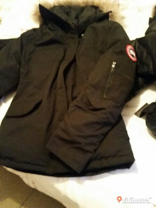 Canada Goose Expedition Parka Pris