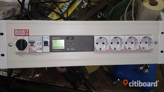 Rackmonterade elcentraler med/Power distribution units with Siemens Logo! 230rcl PLC Kumla