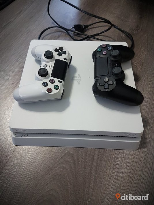 Playstation 4 slim  Botkyrka