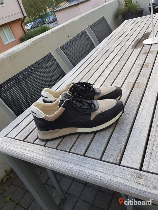 Louis vuitton sneakers 43-44 Uppsala Håbo