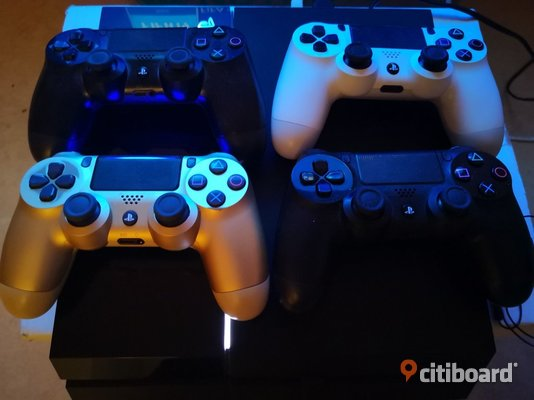 Ps4 with 6 games Borås / Mark / Bollebygd