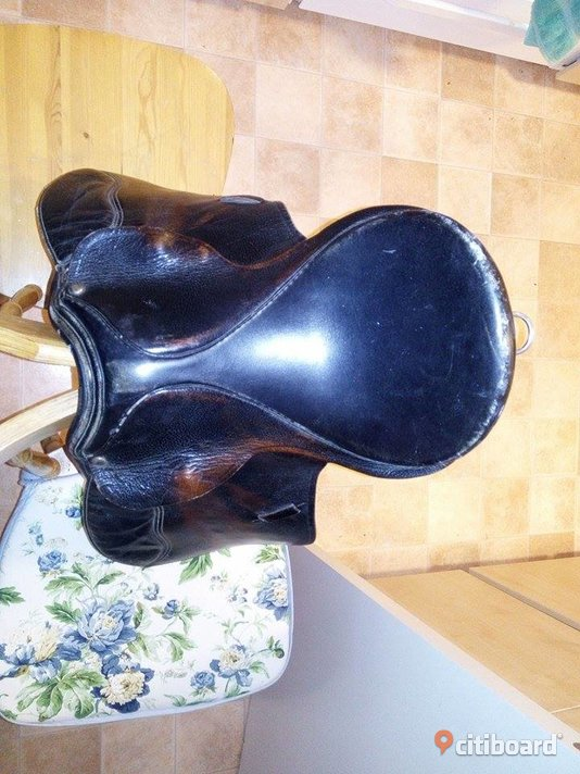 I sell 2 saddle+supply - Västmanland, Sala - I would like to sell horse saddle price to negotiate - Västmanland, Sala