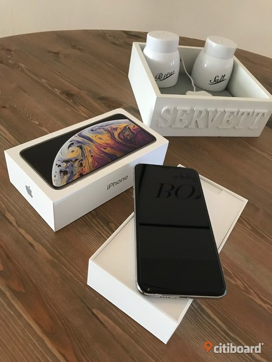 Iphone XS max 64gb silver + Airpods Stockholm